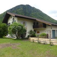 Hotelbilleder: Dopplerhof's Staufenhaus, Piding
