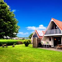 Hotel Pictures: 6 pers. Holiday home in front of the Lauweermeer lake, Anjum