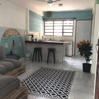 Hotelbilleder: Cool cozy beach apartment in the heart of Jaco, Jacó