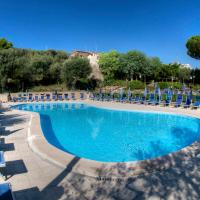 Hotel Pictures: Freedom Holiday Residence, Massa Lubrense
