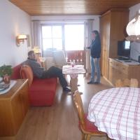One-Bedroom Apartment with Mountain View (2 - 4 Adults)
