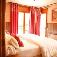 Фотографии отеля: Aparthotel La Neu, Ллортс