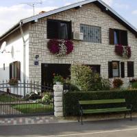 Fotografie hotelů: Family Room Knezevi Vinogradi 15024a, Kneževi Vinogradi