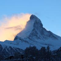 Three-Bedroom Apartment with Matterhorn View