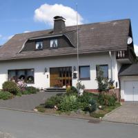 Hotel Pictures: Ferienhaus Marienweg, Hallenberg