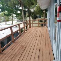 Hotel Pictures: Sunset Ave E Upper, Holmes Beach