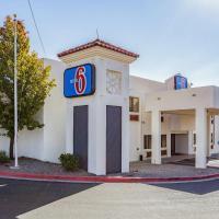 Hotel Pictures: Motel 6 Santa Fe Central, Santa Fe