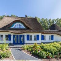 Hotel Pictures: Ferienhaus Villa Merle, Glowe