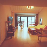 Hotel Pictures: 180sqm Loft with Large Kitchen, Glass Terrace, Oasis, Xiangyang