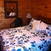 Hotel Pictures: Lake Lauzon Resort, Blind River