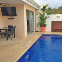 Hotel Pictures: Family House with private Pool, Herradura