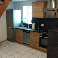 Hotelbilleder: Large 1 bed duplex apartment 5 min from Ramstein US Air Base, Mackenbach