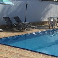 Hotel Pictures: Vila do Tombo, Guarujá