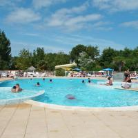 Hotel Pictures: Camping Le Clos Cottet, Angles