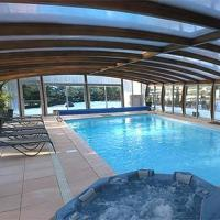 Hotel Pictures: Logis Hotel Le Lac, Embrun