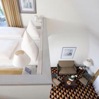 Gallery Apartment Elegant