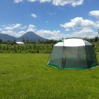 Hotel Pictures: Verde Lodge Camping Site, Fortuna