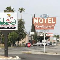 Toppers Motel