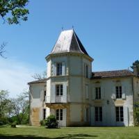 Hotel Pictures: Domaine de Fonroques, Montcaret
