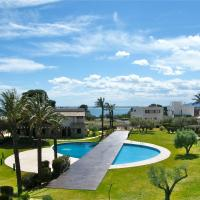 Hotel Pictures: Casa 15 Great Pools,Beach & Seaview, L'Ampolla