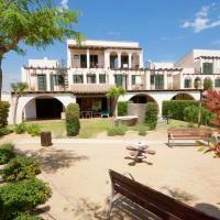 Hotel Pictures: Casa 54 Great Pools,Beach & Seaview, L'Ampolla