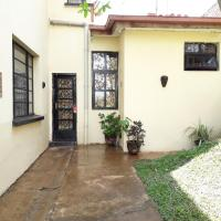 Fotos de l'hotel: Your home away from home - cosy annex with privacy, Bukavu