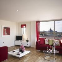 The Marlborough - 3-Bedroom Dual-Level Apartment with Roof Garden