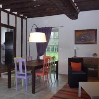 Hotel Pictures: La Maison d'à Côté, Alençon