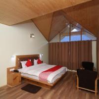 Hotel Pictures: OYO 13920 Home Spacious Studio Cottage Shuru, Manāli