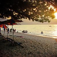 Fotografie hotelů: 5BRs Bungalow House in Balik Pulau, Balik Pulau