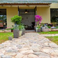 Hotel Pictures: Tonglu Sheyu Country House, Tonglu