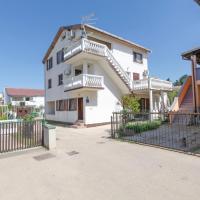 酒店图片: Apartment Božidar, 普利拉卡