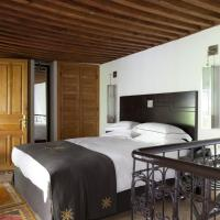 Junior Suite with Hammam Access (2 Adults)