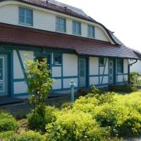 Hotelbilleder: Ferienhaus-mit-5-Wohnungen-am-idyllischen-Ruganaweiler, Dranske