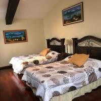 Foto Hotel: Beautiful Loft inside Gated Community!!, San Cristóbal El Bajo
