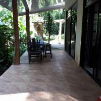 Hotel Pictures: Lion's Den, Cocles