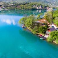 Zdjęcia hotelu: Jajce,Plivsko jezero, Jajce