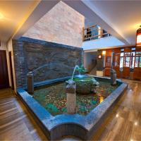 Hotel Pictures: Dragon Holiday Hotel, Emeishan