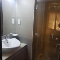 酒店图片: 2 bed rooms fully furnished for rent, Muharraq