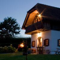 Hotel Pictures: Ferienhaus Friedrich - Honigmond im Troadkast´n, Hartberg