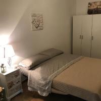 Sweet Roma Room