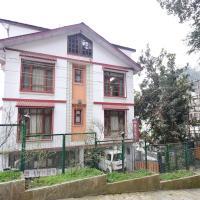 Фотографии отеля: Boutique room in Chaura Maidan, Shimla, by GuestHouser 16714, Шимла