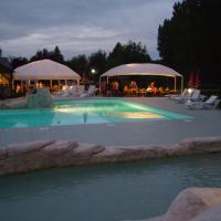 Hotel Pictures: Camping La Citadelle, Loches