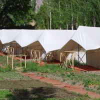 酒店图片: 1 BHK Tent in Yurtung - Leh, Leh(1DBA), by GuestHouser, Leh