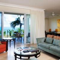 Three-Bedroom Suite with Ocean Front