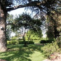 Hotel Pictures: Les Chambres d'hôtes du Breuil, Salles-Arbuissonnas