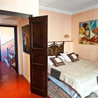 Eight-Bedroom Villa with terasse