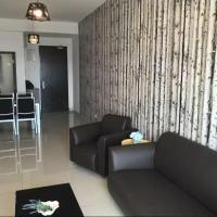 Foto Hotel: Stylish Big 3 Bedroom Unit Dsecrete Garden 1-8 pax, Johor Bahru