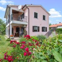 Hotel Pictures: Apartments Radović, Labin
