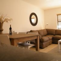 Hotellbilder: Bright Stylish Central Apartment, Knysna